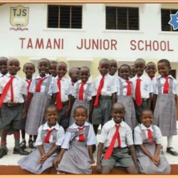 Eerste lessen Tamani Junior School